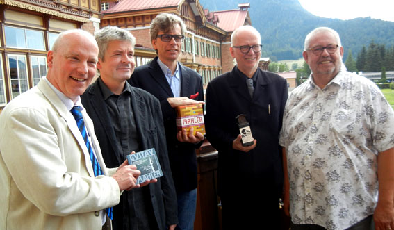 Die Jury: Brandt, Schulz, Thieme, Csampai, Franck Photo: Nicole Junio