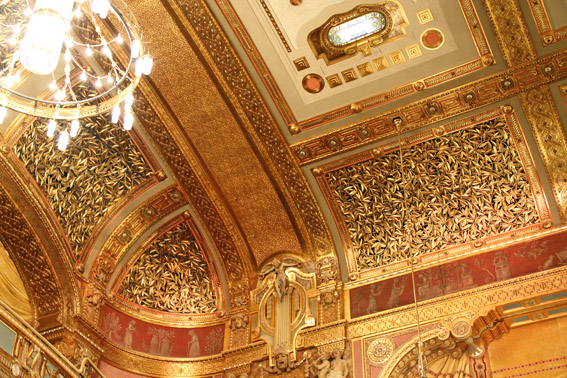 Golden splendour in the concert hall Photo: Remy Franck