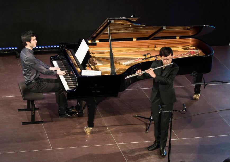 Nikolai Song mit Mario Häring am Klavier (c) Christine Kocher