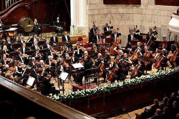 Sinfonia Varsovia & John Axelrod (c) Bruno Fydrich